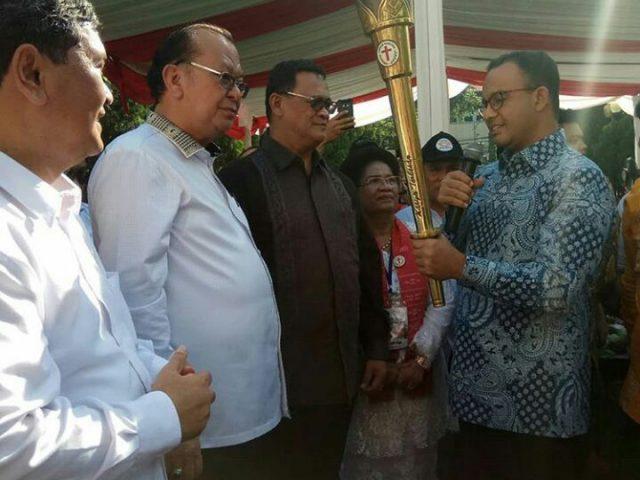 CAHAYA KEDAMAIAN PENYAMBUTAN OBOR PASKAH DI JAKARTA