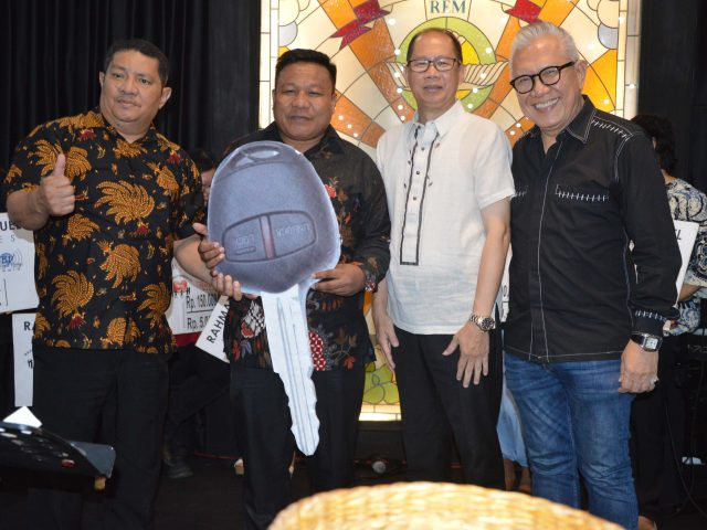 Ibadah GMB Bulan Mei 2018: BPD Papua Barat II Terima Bantuan Mobil Gran Max Ke 23