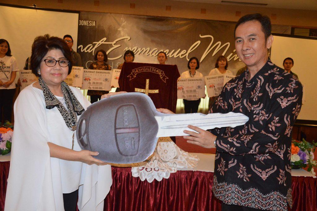 Ibadah GMB Bulan Juli 2018: BPD Jawa Timur Terima Bantuan Mobil Gran Max Ke 25